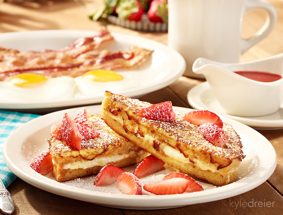 cracker barrel strawberry french toast